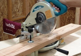 Powerful and Portable : The Makita 10-Inch Compound Miter Saw Reviewed
